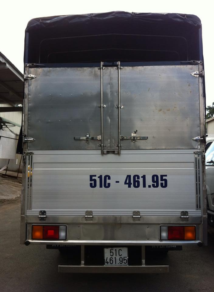 xe tải hyundai 2,5 tấn thùng bạt bửng nhôm
