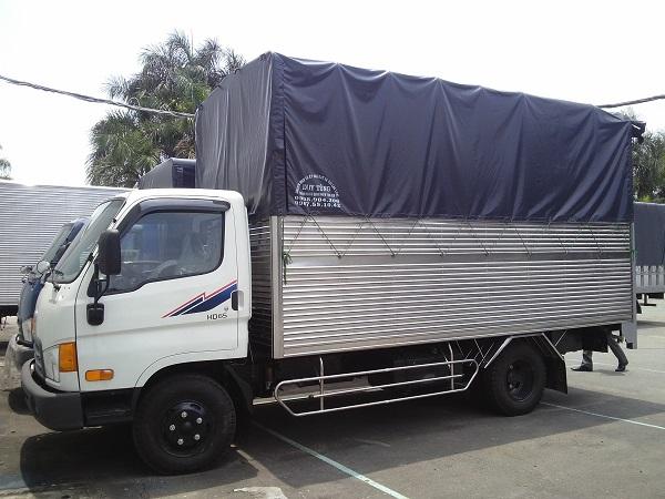 xe ô tô tải Hyundai 1T85 thùng mui bạt