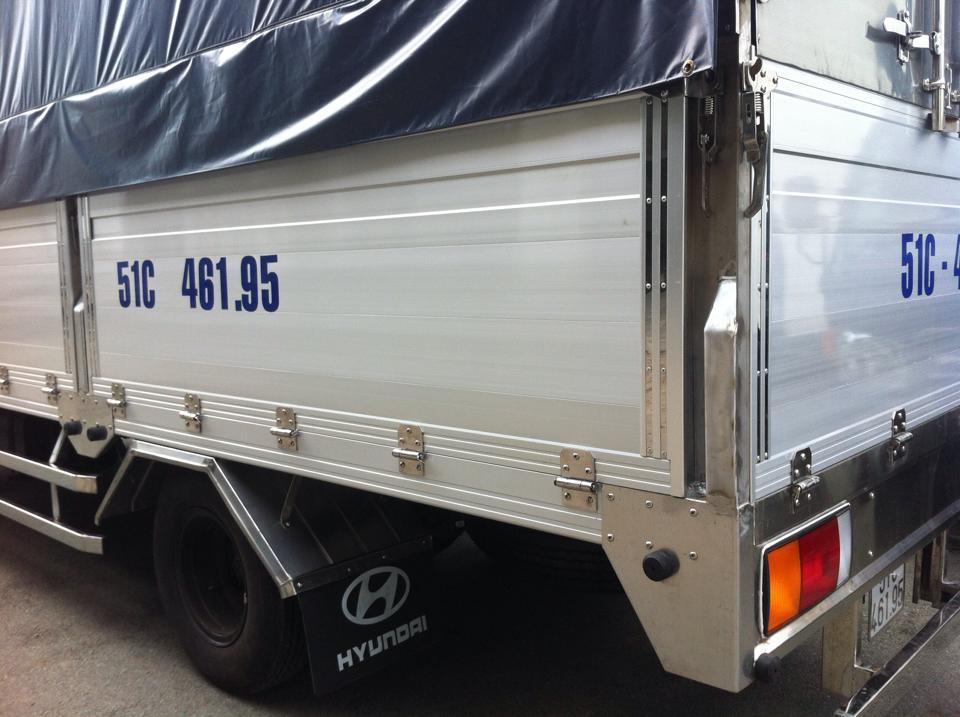 xe tải hyundai hd72 thùng bửng nhôm 3,5 tấn